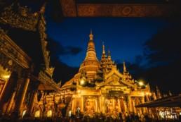 Pagode Shwedagon la nuit