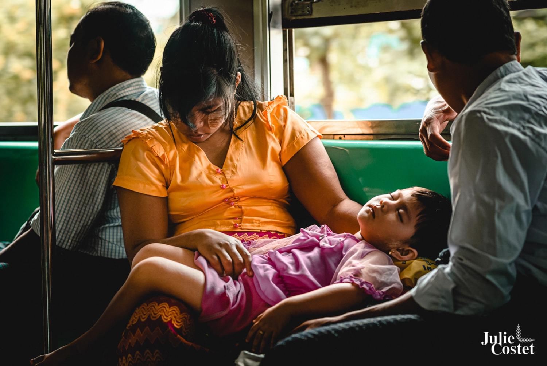 Train de Yangon, Birmanie
