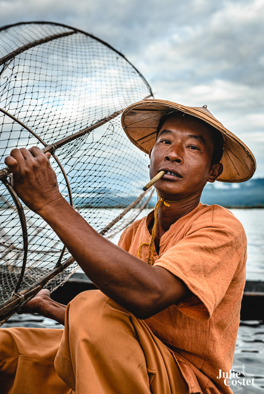 Portrait de pêcheur en Birmanie