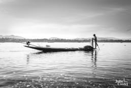 Pêcheur sur le lac Inlé en Birmanie
