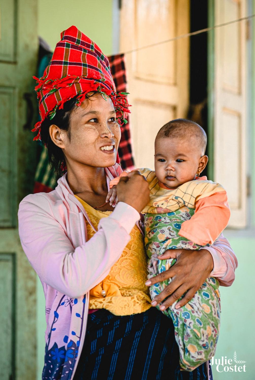 Jeune maman birmane