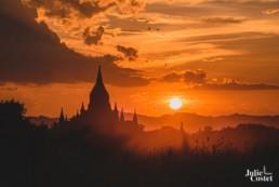 Temple de Bagan au coucher du soleil