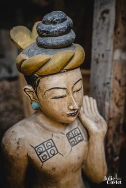 Statue de bois en Birmanie