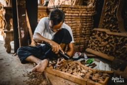 Travail du bois en Birmanie
